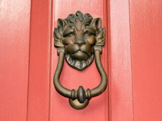 Casa cantoniera in cerca di autore